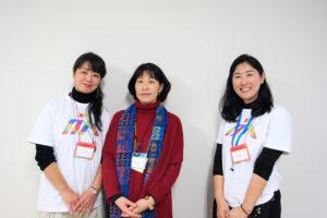 写真:スギイアヤカさん(左)、西田優子さん(中央)、司会の村上(右)